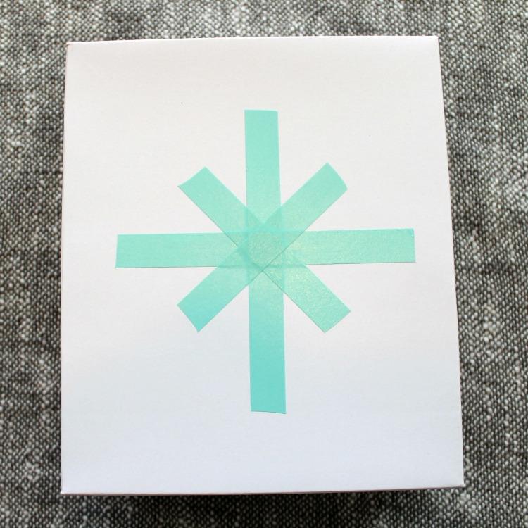 wrap-presents-with-washi-tape-scotch-snowflake