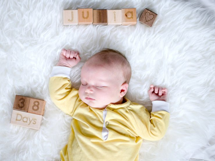 Creative and Easy Monthly Baby Picture Ideas: Child at Heart Blog