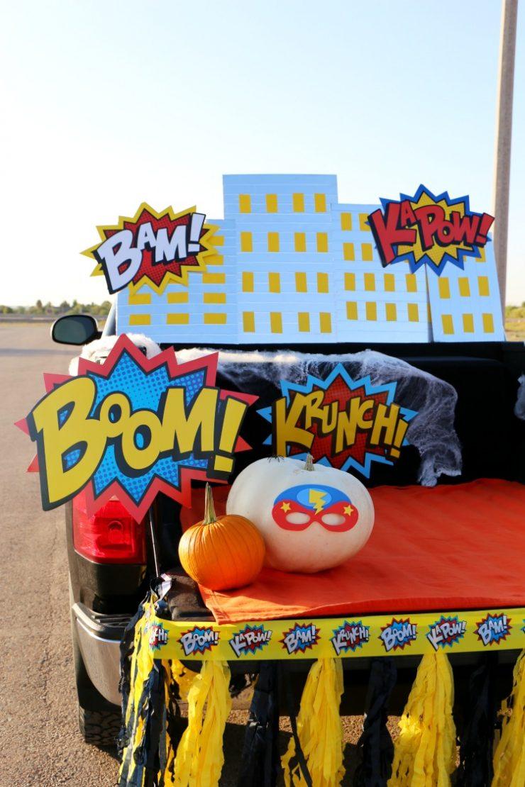 Superhero Halloween Trunk or Treat Ideas + DIY Skyline:  the Child at Heart blog